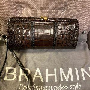 Brahmin clutch w dust bag